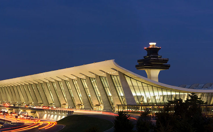 dulles-at-night